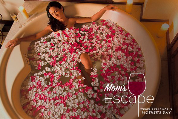 Recharge with a Mom's Escape at Dreams Resorts & Spas!