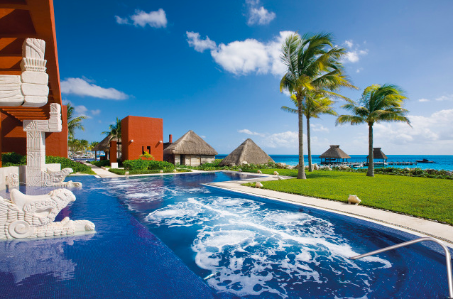 Take Your Next Trip to Paradise at Zoëtry Resorts!